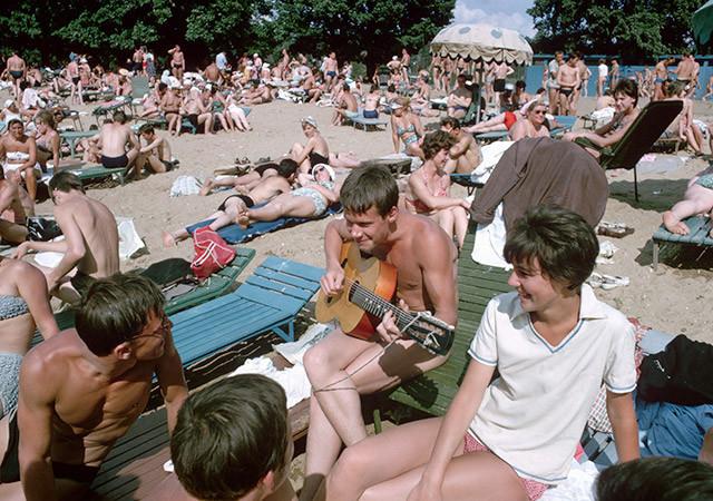 Типичный советский пляж: 45 ретро-фото