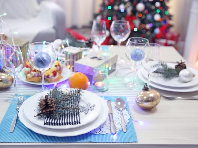 Как стильно украсить дом к рождественским праздникам: 50 фото