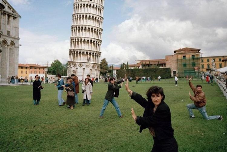 Когда пределу фантазии нет границ: 30 забавных фото на фоне Пизанской башни