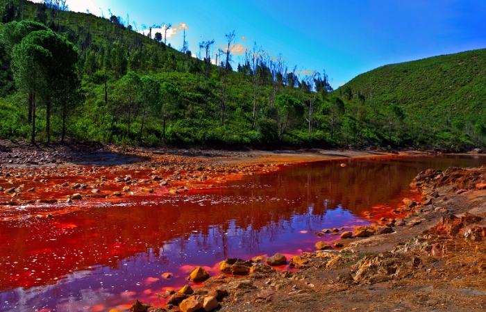 Убийственная красота: опасные водоемы мира
