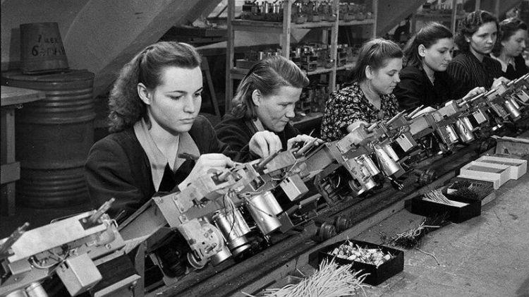 Как выглядели девушки в СССР: 30 честных фото